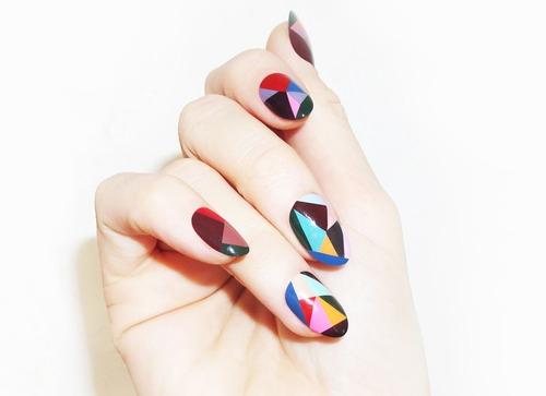 Madeline-Poole-nail-art1